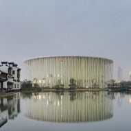 "Steven Chilton Architects completes ""bamboo forest"" theatre in Wuxi"