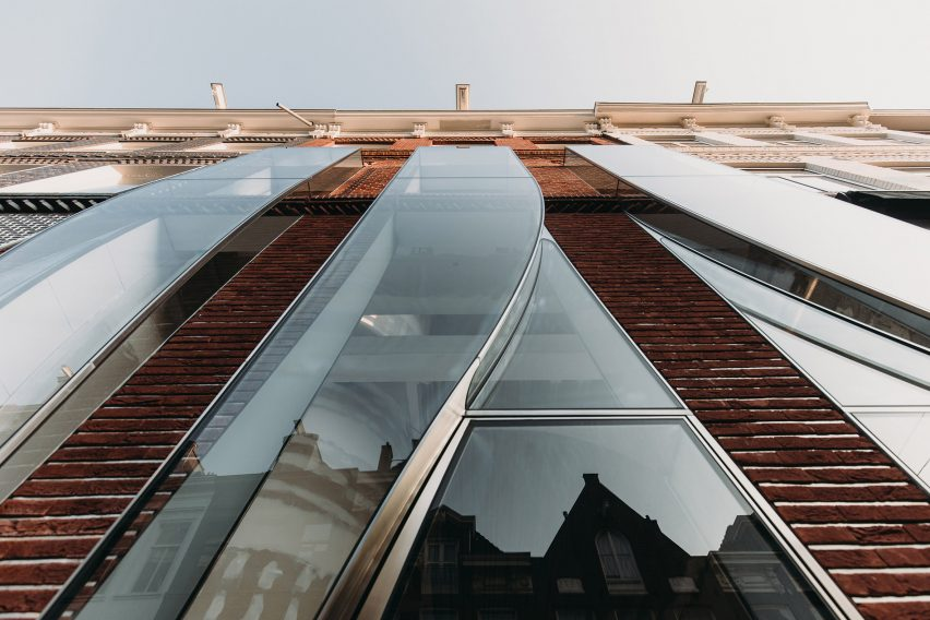 The Looking Glass on P.C. Hooftstraat in Amsterdam by UNStudio