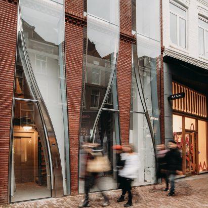The Looking Glass on P.C. Hooftstraat in Amsterdam by UNStudio
