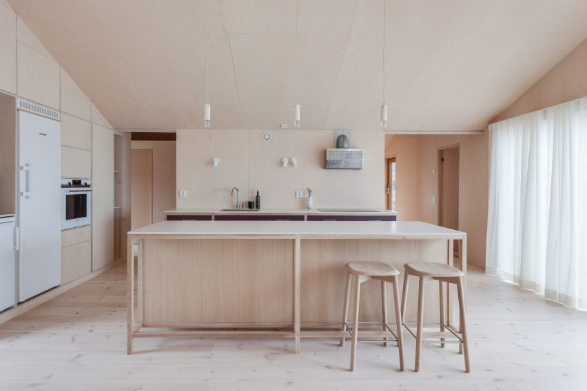 Villa Vassdal on the archipelago of Gothenburg by Studio Holmberg