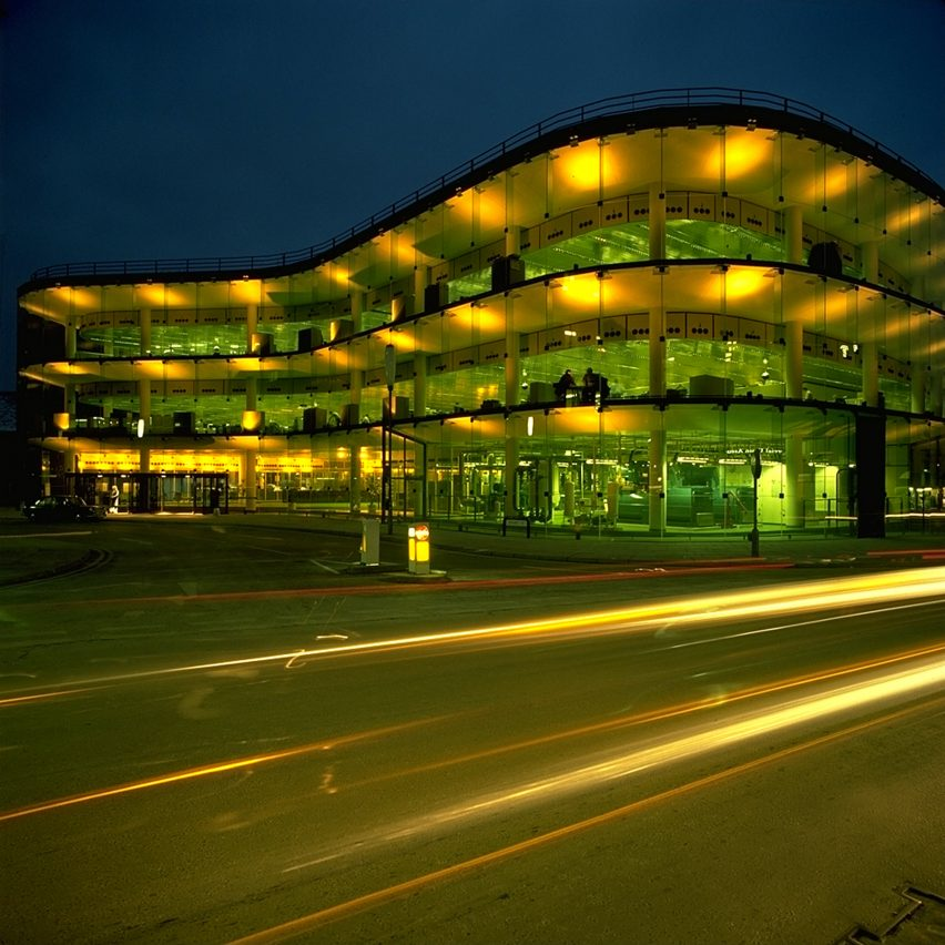 High-tech architecture from A to Z: Willis Faber & Dumas building by Foster Associates