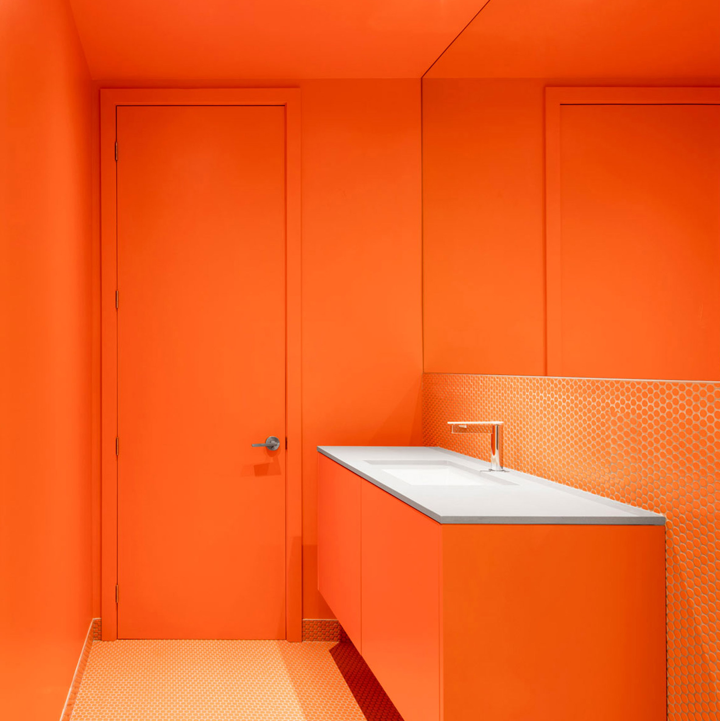 Bold bathrooms: Canari House by Naturehumaine
