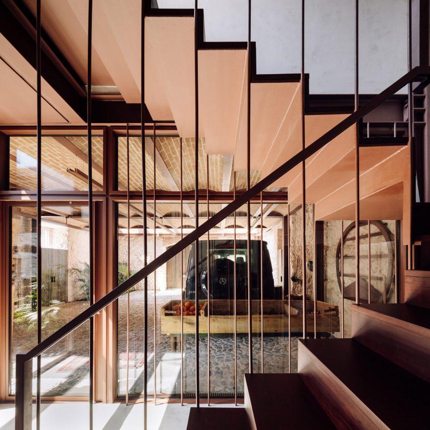 Casa Altinho by António Costa Lima Arquitectos