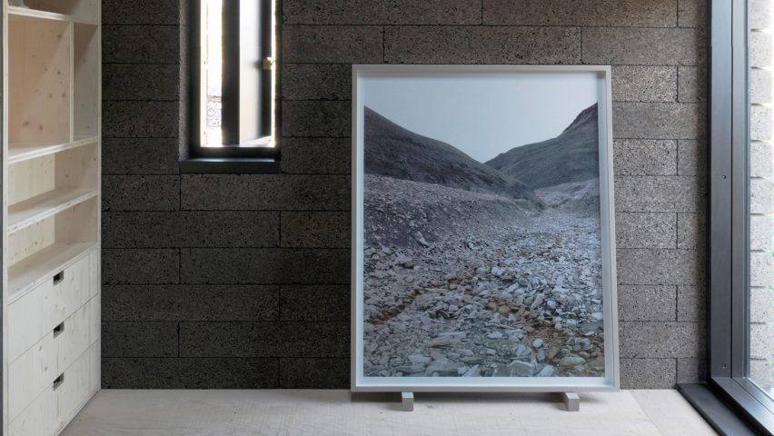Monochrome and sexy eco interior design trends for 2020