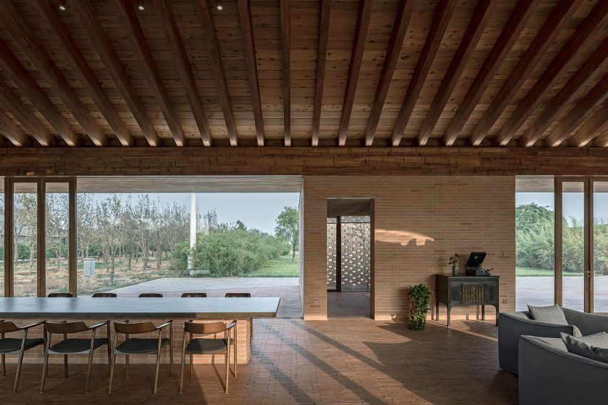 Courtyard Villa by Arch Studio