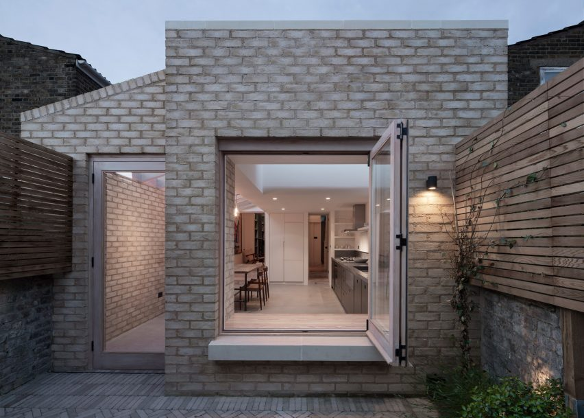 Vestry Road by Oliver Leech Architects. Photo is by Ståle Eriksen.