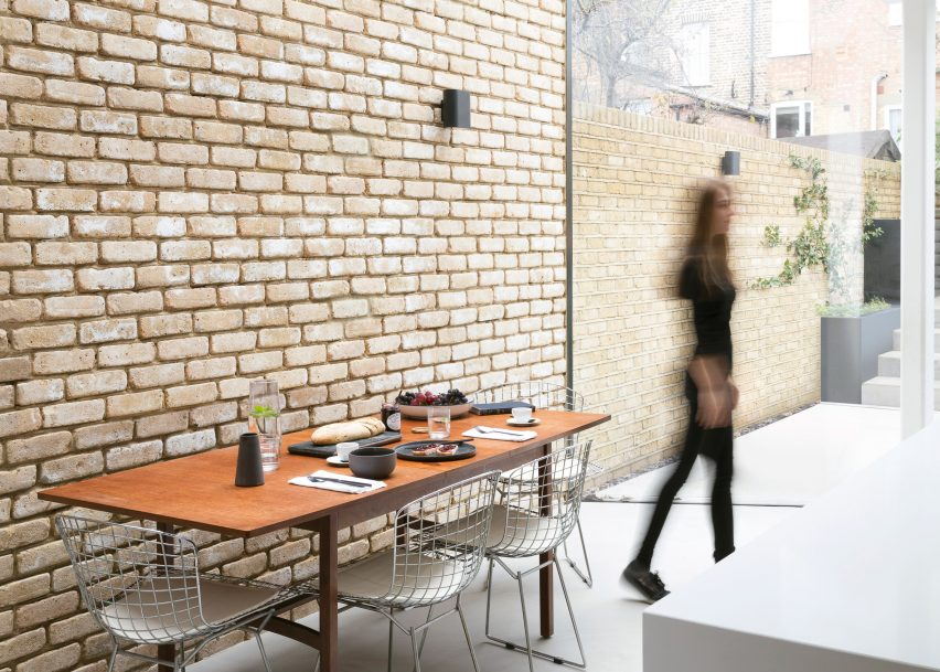 Ellesmere Road by DROO Architects. Photo is by Reimoon