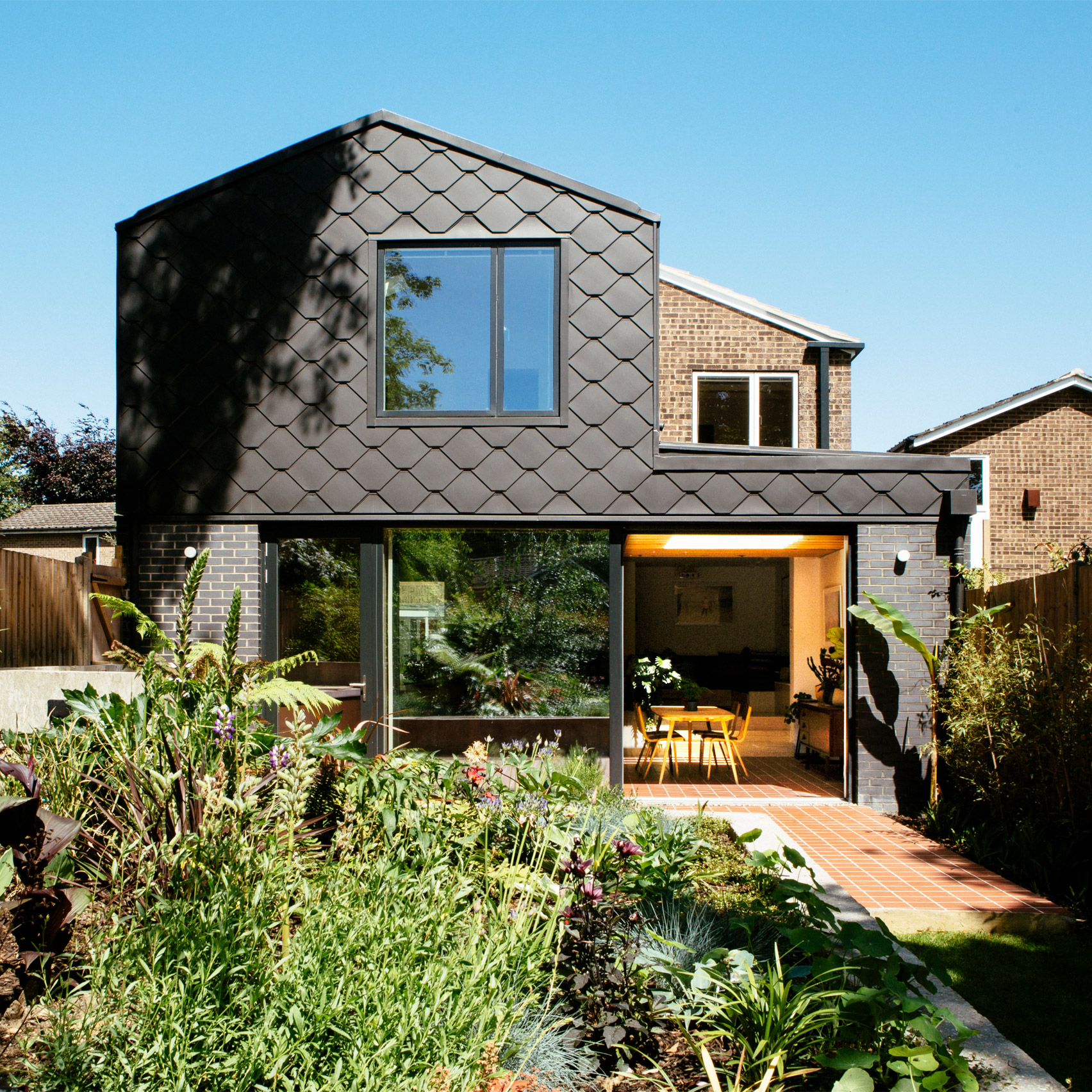 Offset House, Croydon, by R2 Studio Architects