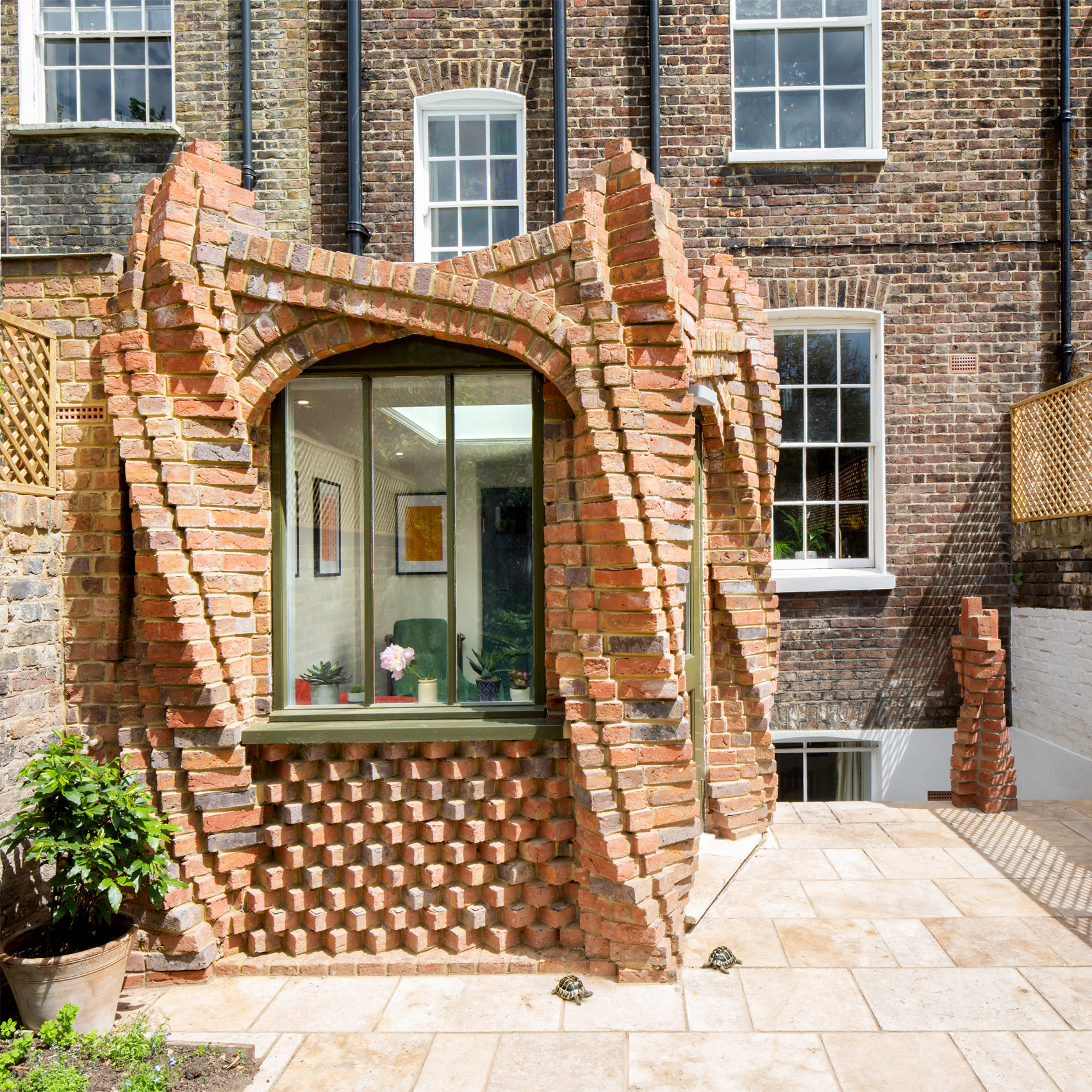 Twist House, Islington, by Urban Mesh Design