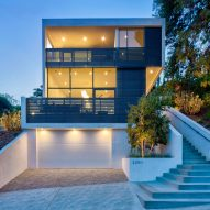 Echo House by Aaron Neubert Architects steps down slope in Los Angeles