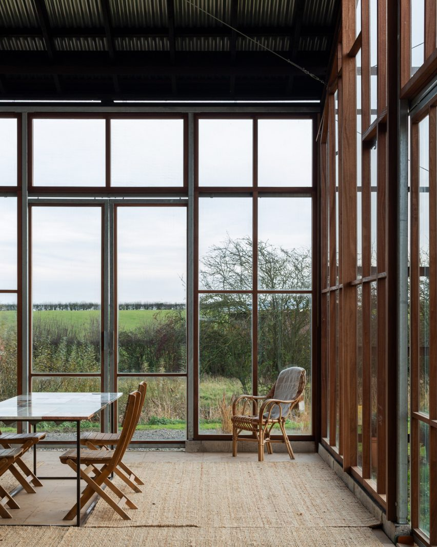 Flat House on Margent Farm, Cambridgeshire by Practice Architecture