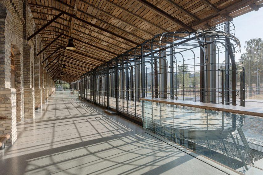 Hanzas Perons by Sudraba Arhitektūra