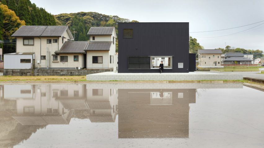 House in Kadogawa by Atelier Kento Eto
