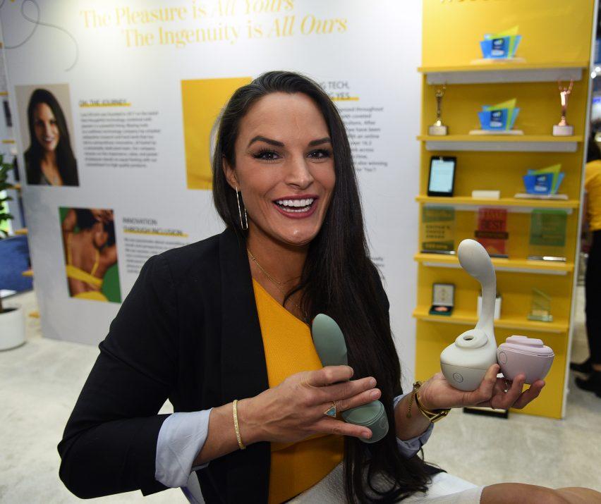 Lora DiCarlo revient au CES avec de nouveaux jouets sexuels après l'interdiction de 2019