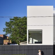 SemiSemi House by Peter McNeil and Clarissa Nam COMN Architects