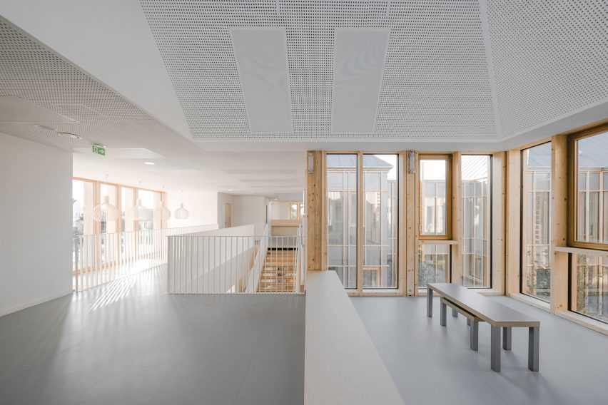 Taverny Medical Centre by MAAJ Architectes