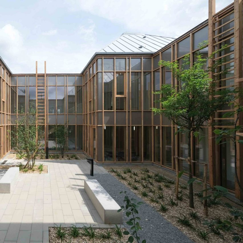 Taverny Medical Centre by MAAJ Architectes