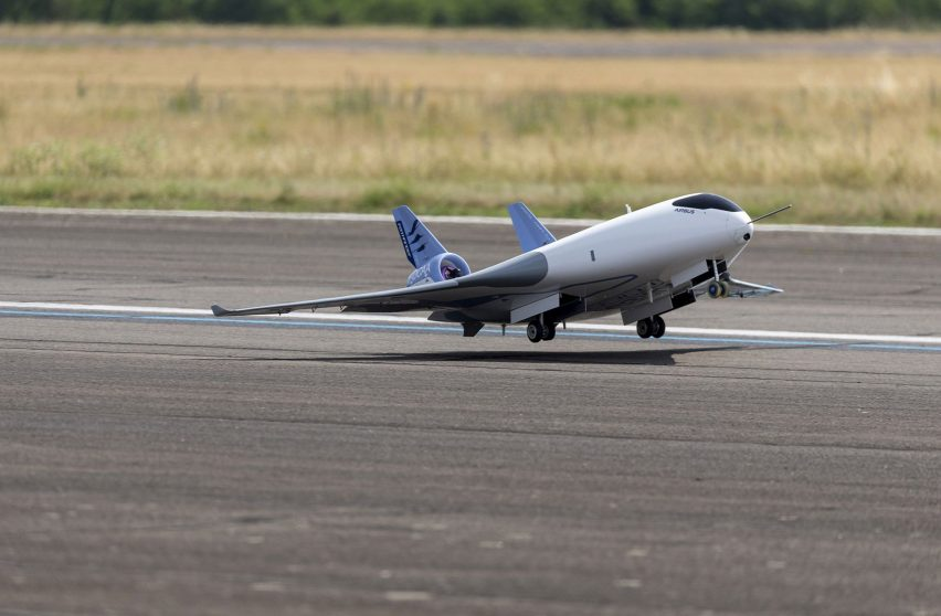 Airbus reveals fuel-saving Maveric aircraft with blended wing body