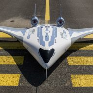 "Airbus unveils working model of its fuel-saving ""giant flying wing"""
