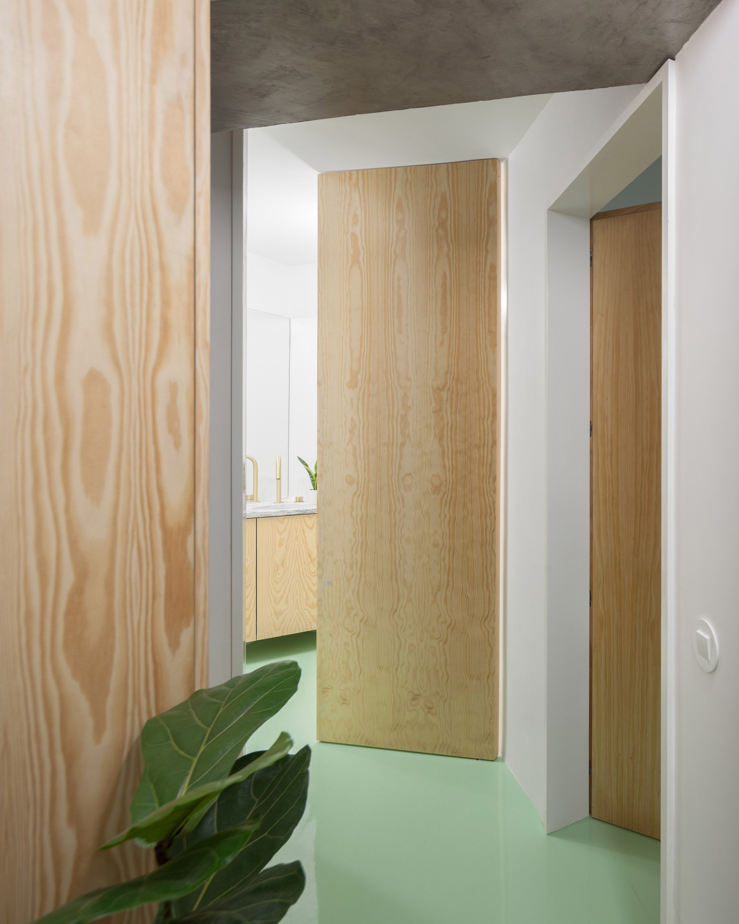 Apartment on a Mint Floor by Fala Atelier doors