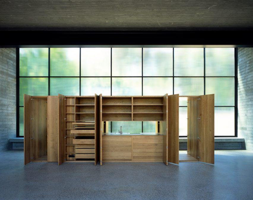 Atelier Monika Sosnowska by Architecture Club oak furniture