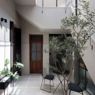 Hernan Landolfo and Marcos Asa top courtyard house in Argentina with glass extension