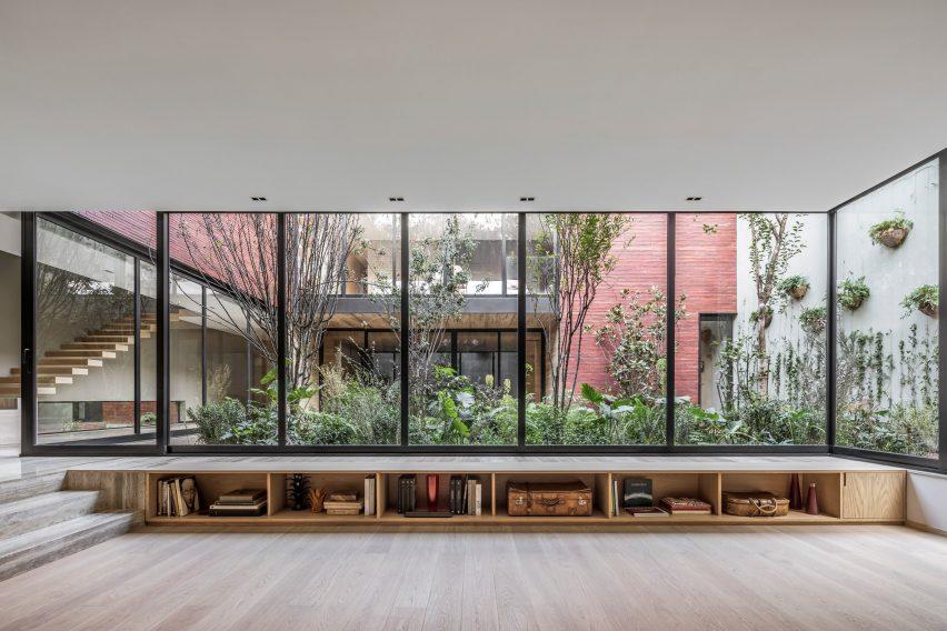 Casa Sierra Fría by Esrawe Studio