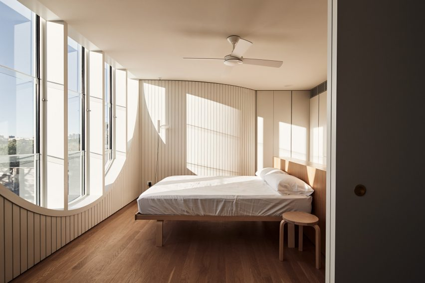 Glebe House by Chenchow Little Architects bedroom