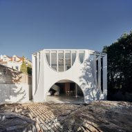 Arches puncture floors and walls of Glebe House by Chenchow Little Architects