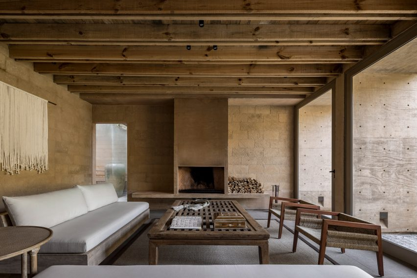 House in Avandaro by Taller Hector Barroso