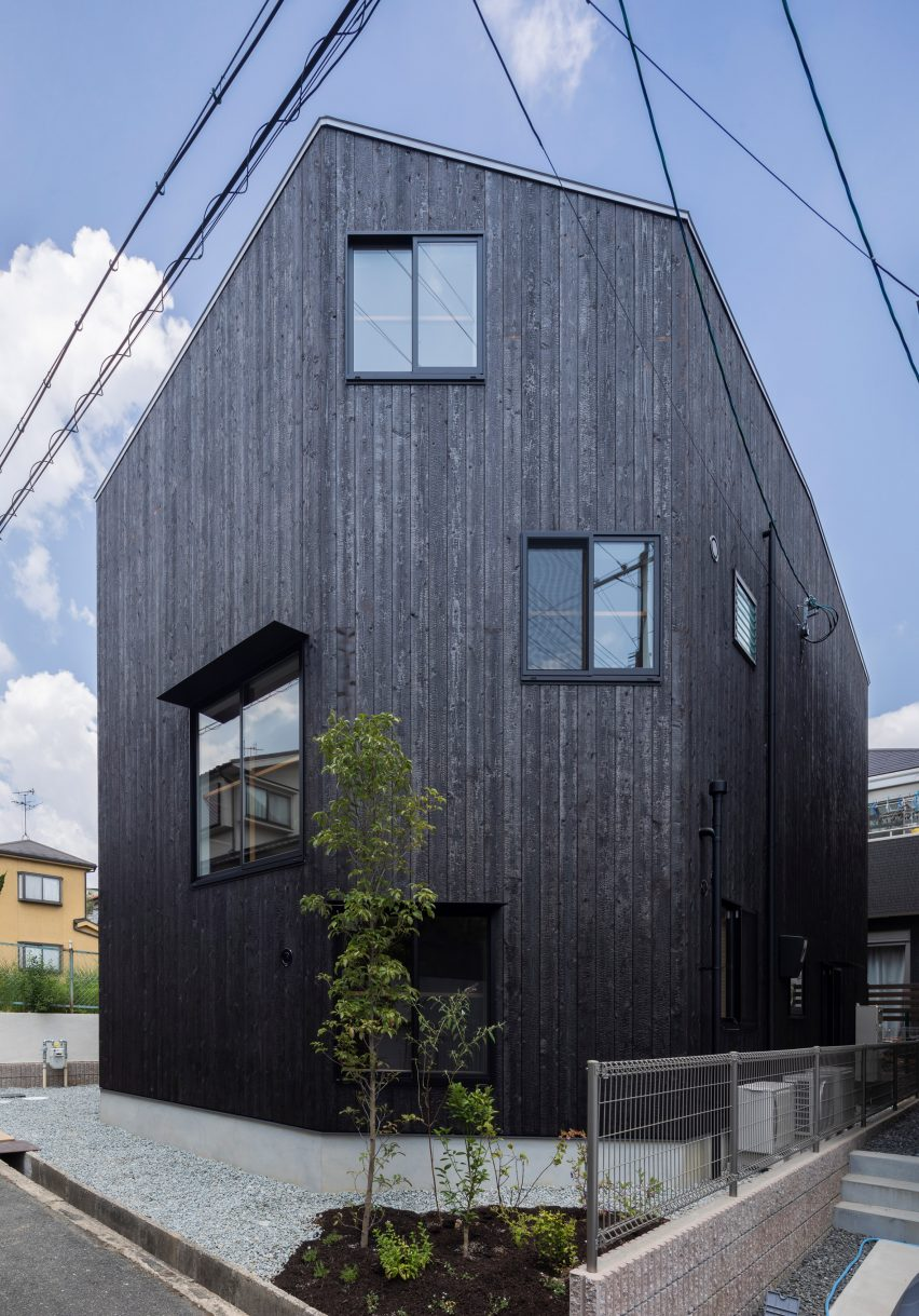 House in Takatsuki by Tato Architects exterior