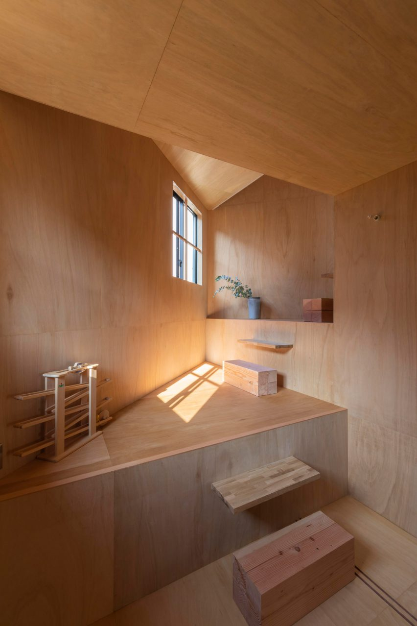 House in Takatsuki by Tato Architects bedroom