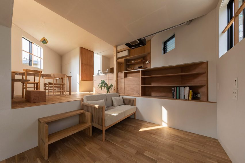 House in Takatsuki by Tato Architects living room