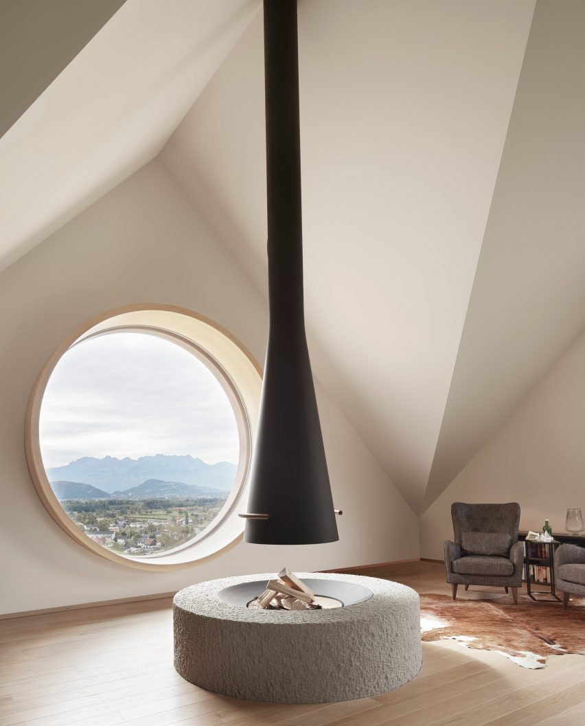 House with Three Eyes by Innauer-Matt Architekten living room