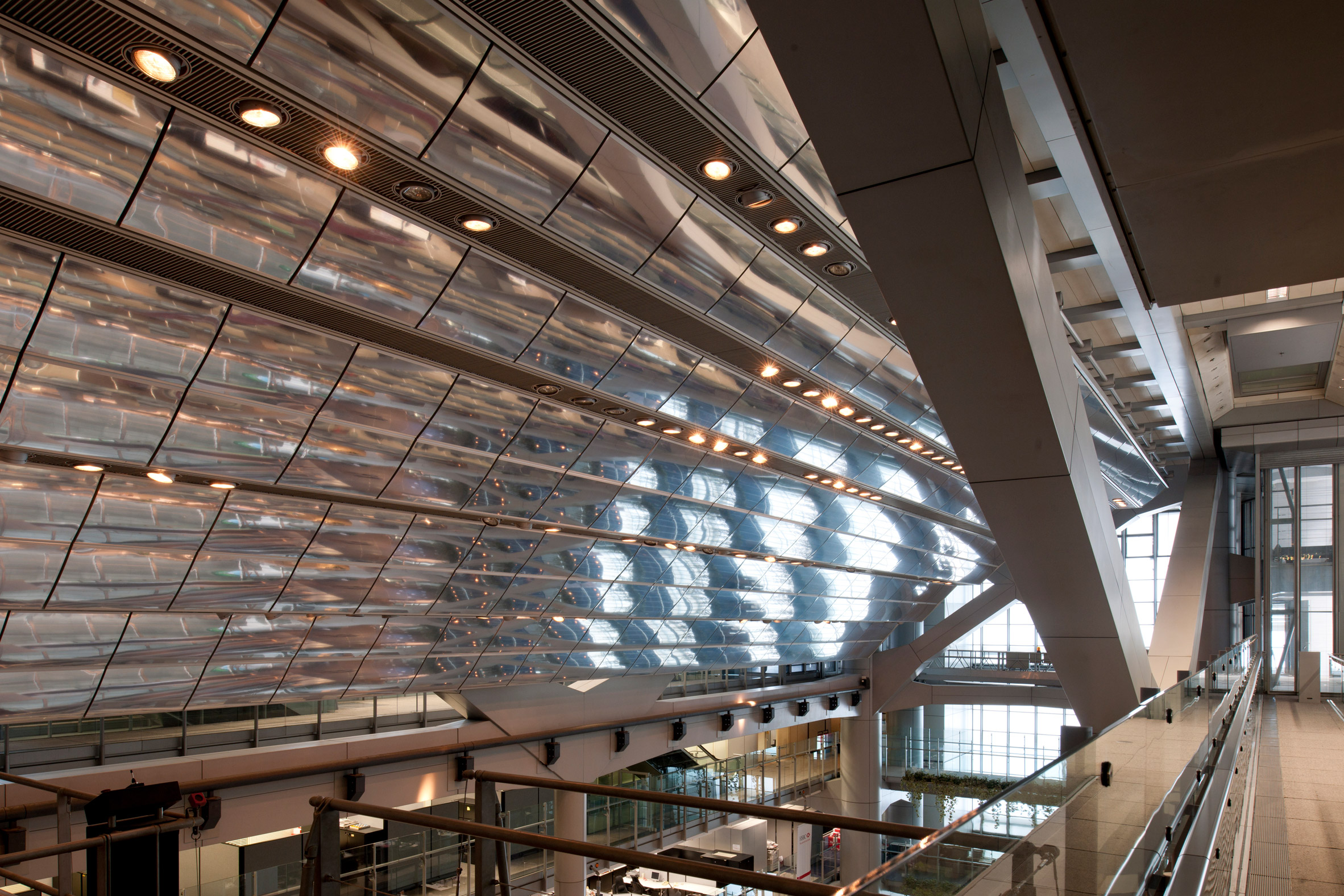 HSBC headquarters by Foster Associates