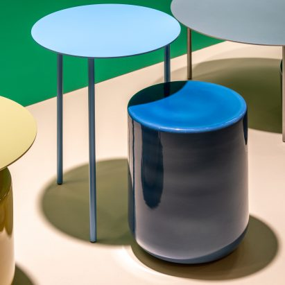"Studio David Thulstrup designs ""co-dependent"" side table pair for Møbel"