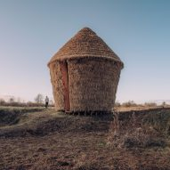 Studio Morison builds thatched hideaway disguised as a haystack