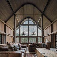 Paul Uhlmann Architects builds barn-like rural retreat in Australian bush