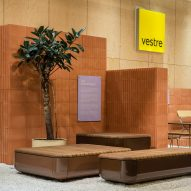 Note Design Studio's re-usable stand for Vestre explains the carbon emissions of each product