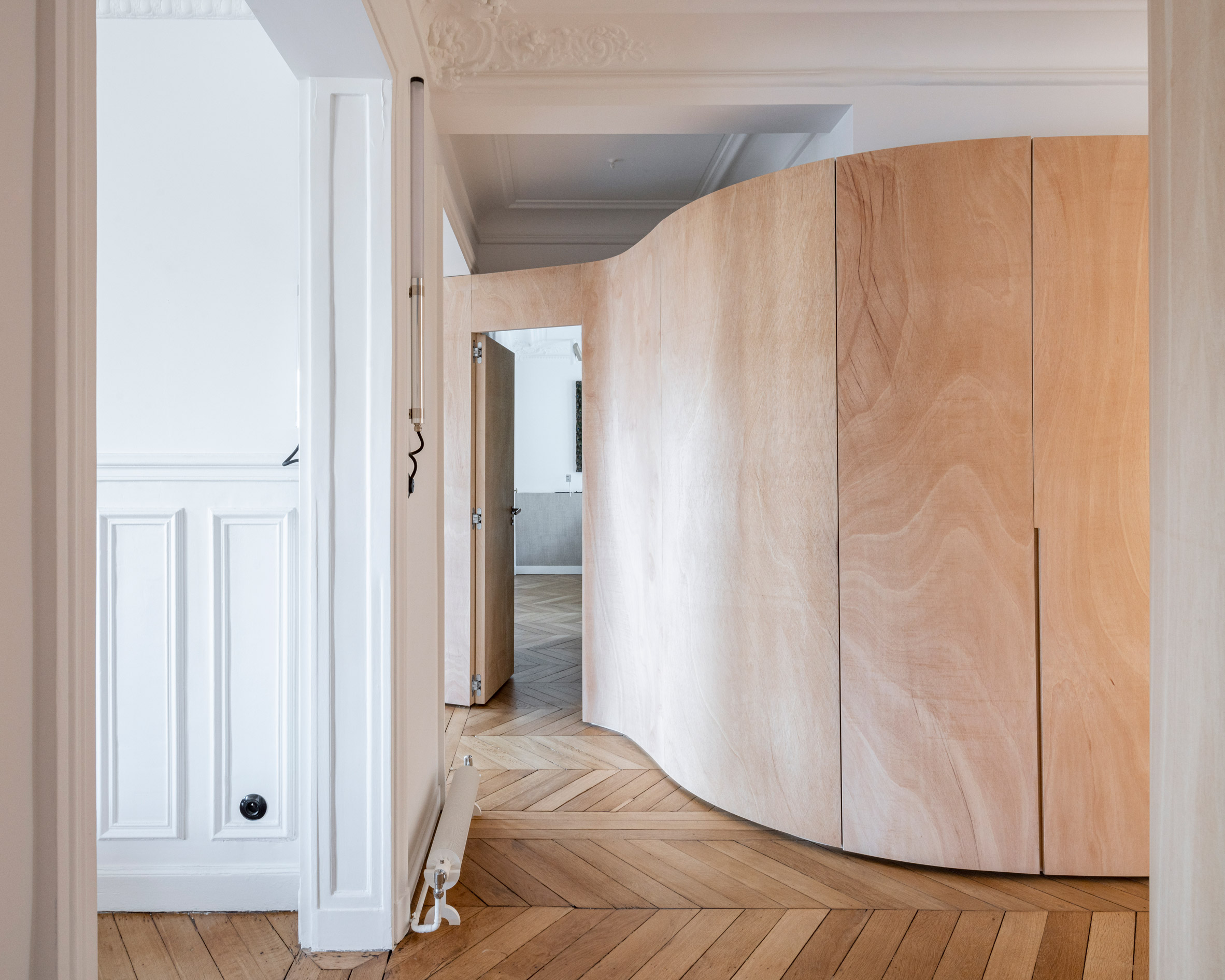 Wood Ribbon aparment by Toledano + Architects