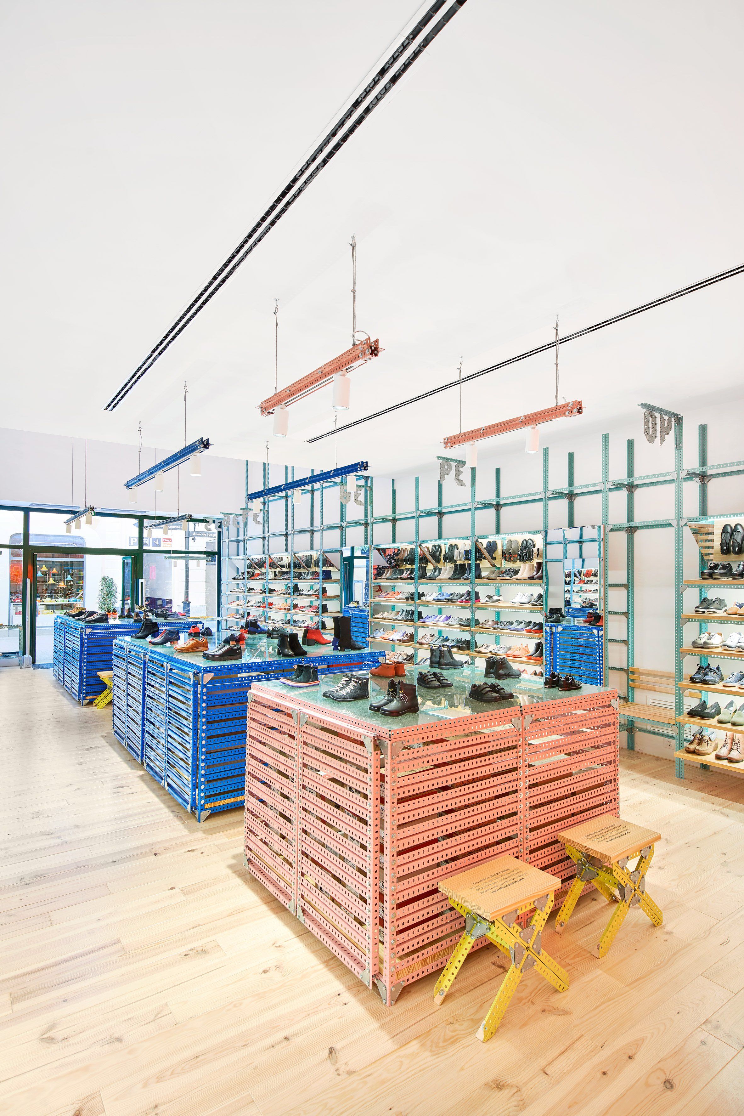 Camper store by Jorge Penades in Malaga