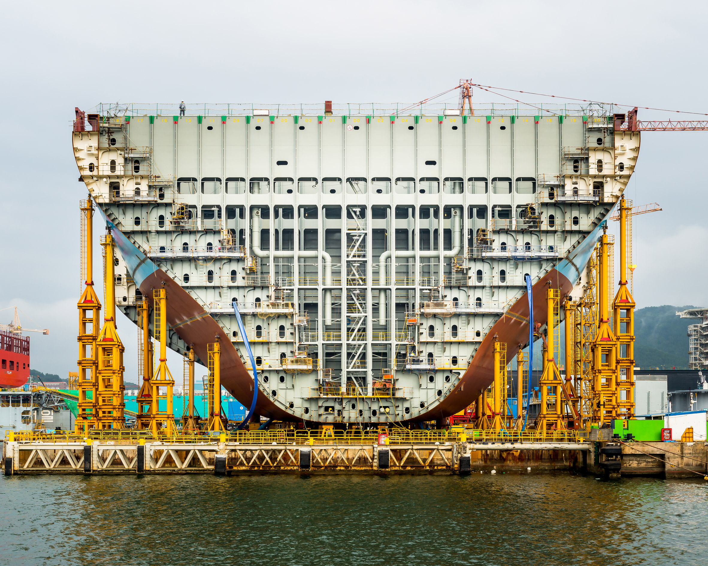 Alastair Philip Wiper, Maersk Triple E container ship under construction, Daewoo Shipbuilding & Marine Engineering (DSME), South Korea