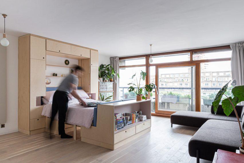 Barbican Dancer's Studio by Intervention Architecture bed
