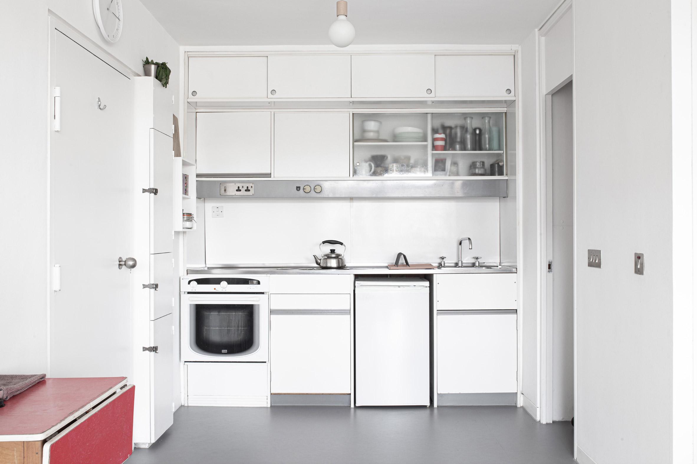 Barbican Dancer's Studio by Intervention Architecture kitchen