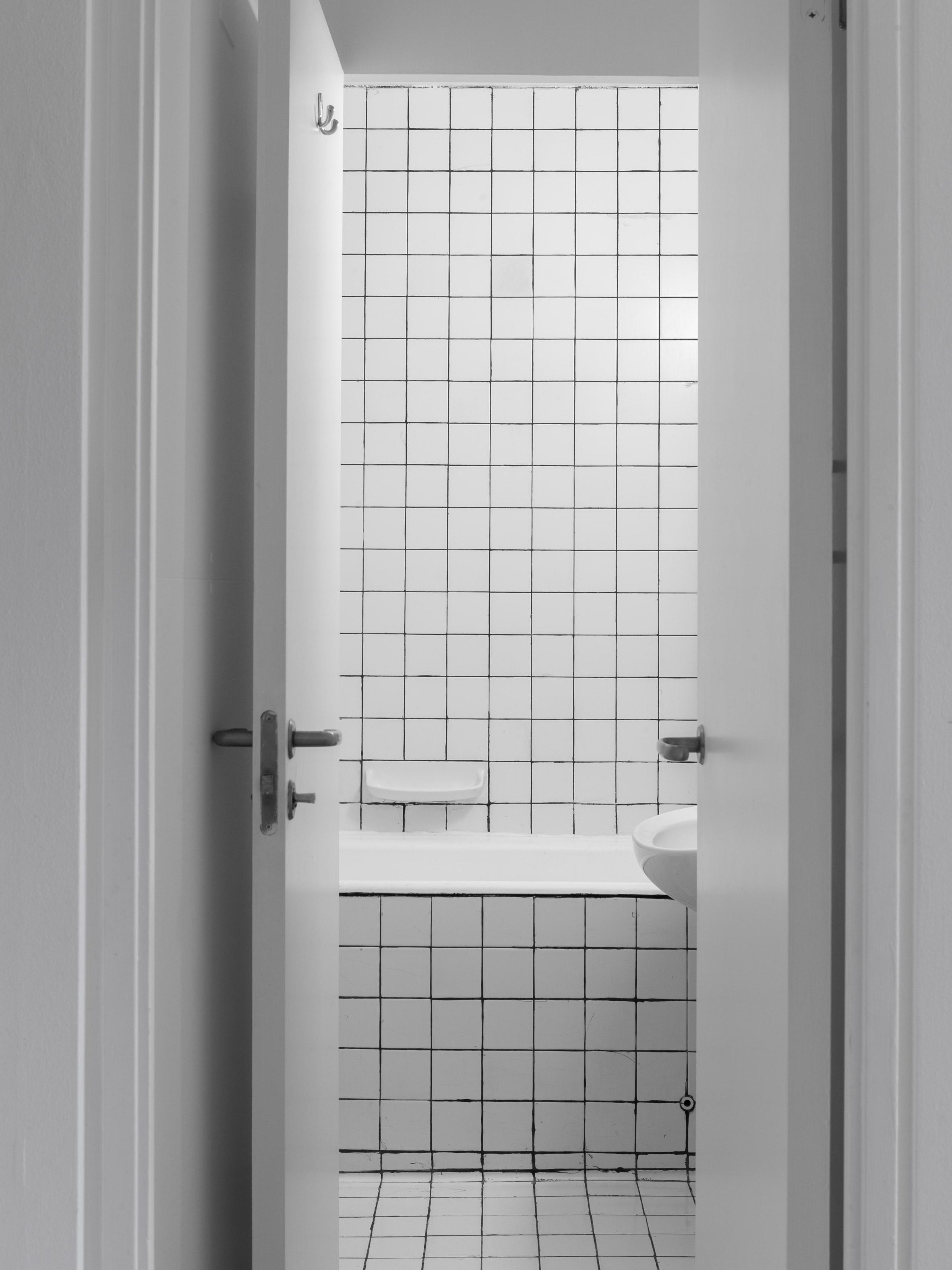 Barbican Dancer's Studio by Intervention Architecture bathroom