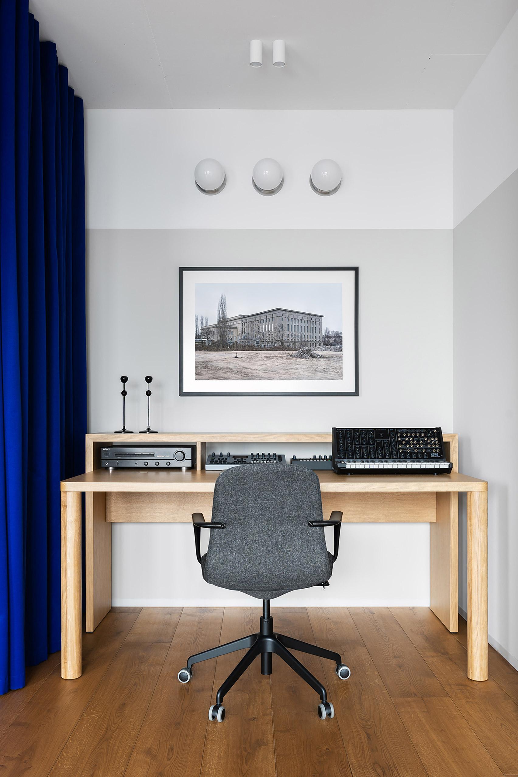butas Egr-apartment-ater-architects-kyiv-ukraine-architecture_dezeen_1704_col_16