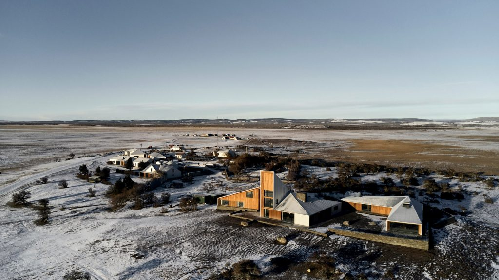 "RDR designs ""compact village"" for sheep farm in Patagonia"