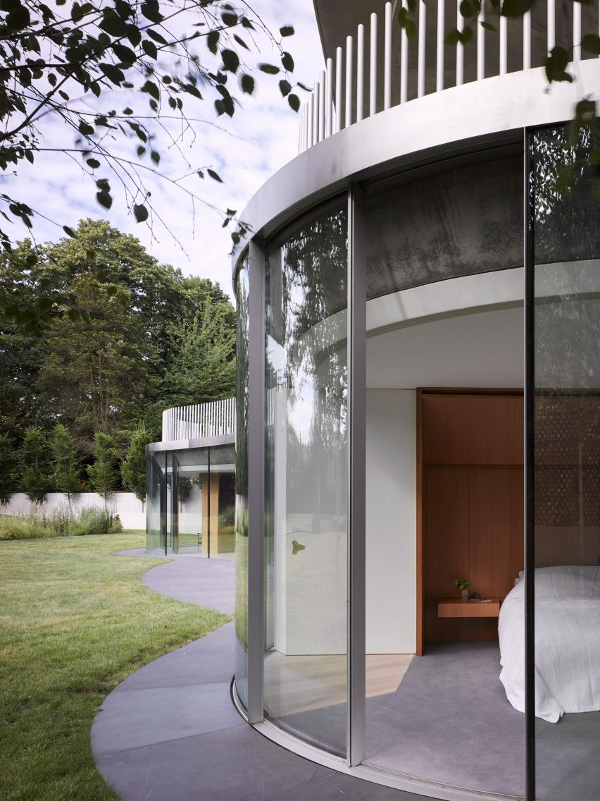 House in Coombe Park by Eldridge London curved glazing