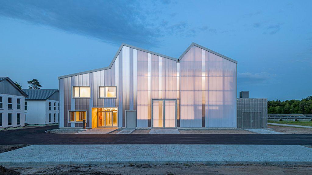 Behnisch Architekten clads energy laboratory in translucent polycarbonate