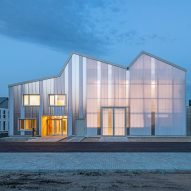 Behnisch Architekten clads energy laboratory in translucent polycarbonate